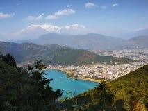 Himalayas Nepal de Pokhara do lago Fewa Fotografia de Stock Royalty Free