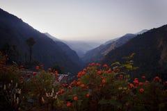 Himalayas på solnedgångtiden Arkivfoton