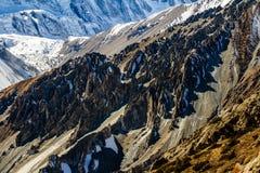Himalayasberg på vägen till Tilicho sjön Tilicho Tal 4920 M Annapurna trek, Himalaya, Nepal royaltyfria foton