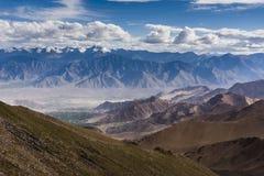 Himalyan berg i Ladakh, Indien, Asien Fotografering för Bildbyråer