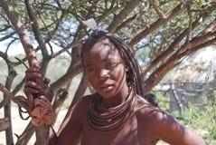 Himbavrouw. Inheemse Afrikaanse peolple Stock Foto