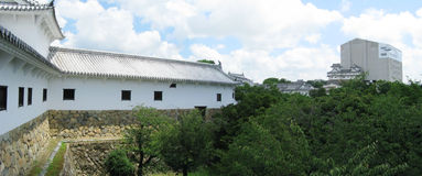 Himeji castle defense walls+castle in background Royalty Free Stock Photos