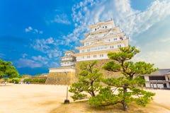Himeji Jo kasztelu bazy utrzymania jarda Drzewny niebieskie niebo H Zdjęcie Stock