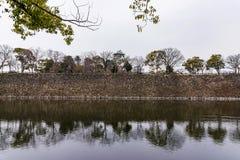 Himeji kasztel z rzeką zdjęcia royalty free