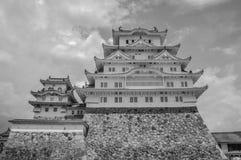 Himeji slott Japan i svartvitt Arkivbild