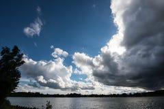 Himlen förbereder sig för stormen Royaltyfri Fotografi