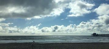 Himlen längs stranden fotografering för bildbyråer