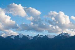 Himmel über Himalaja Stockbild