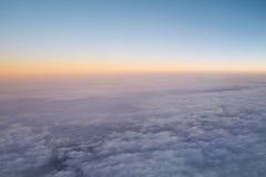 Himmel über Wolke Stockfotos