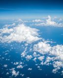 Himmel über Wolke vom Flugzeug stockfotos