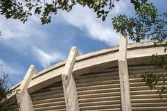 Himmel außerhalb des Stadions Stockfotos
