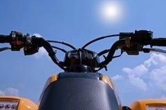 Himmel, der ATV springt Lizenzfreies Stockbild