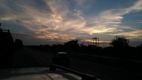 Himmel för vägtur Arkivfoton