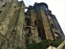 Himmel, Felsen und die Abtei Stockfotos