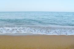 Himmel, hav och sand royaltyfria bilder
