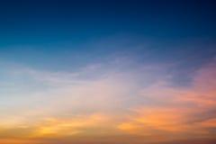Himmel i solnedgången Tid Fotografering för Bildbyråer