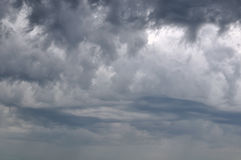 Himmel im stürmischen Wetter Lizenzfreie Stockfotos