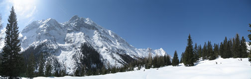 Himmel im Winter in Tirol/in Tirol Lizenzfreie Stockfotos