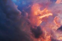 Himmel ist auf Feuer Stockfotografie
