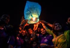 Himmel-Laternen-Festival bei Kolkata, Indien lizenzfreies stockfoto