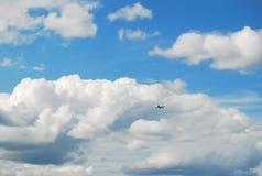 Himmel med molnet Arkivbilder