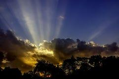 Himmel med solnedgång arkivbild