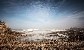 Himmel med vaggar och stenar Fotografering för Bildbyråer
