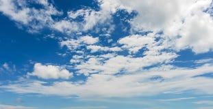 Himmel mit Wolke Lizenzfreies Stockbild