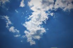 Himmel mit Wolke Stockfotos