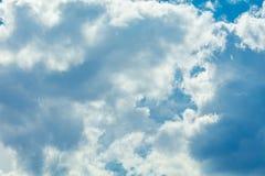 Himmel mit Wolken stockfotografie