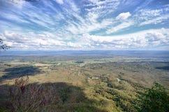 Himmel och berg i Thailand Arkivbild
