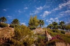 Himmel och berg på utkanten av Marmaris Turkiet royaltyfri foto