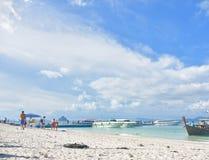 Himmel och hav i sommar royaltyfria foton