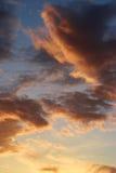 Himmel och havsolnedgång Arkivbilder