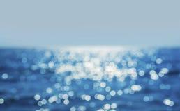 Himmel och havsvatten i solen Arkivfoton