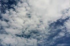 himmel och moln med naturen Royaltyfria Foton