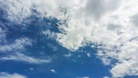 himmel och moln med naturen Arkivfoton