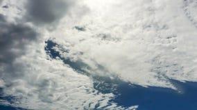 himmel och moln med naturen Arkivbild