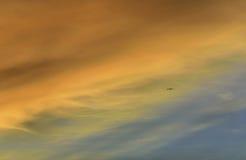 Himmel och moln på skymningtid Arkivfoto