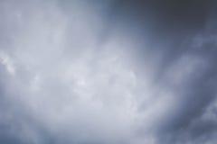 Himmel- och molnstormbakgrund Royaltyfri Fotografi