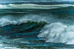 Himmel och vågor för hav Storm ungefärliga hav Arkivbilder