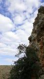Himmel och vaggar landskap, det medelhavs- naturlandskapet, den Carmel nationalparken Arkivbild