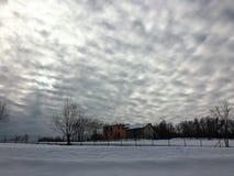 Himmel, Schnee und Ruhe Stockbild