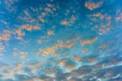 Himmel am Sonnenuntergang Lizenzfreies Stockfoto