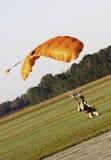 Himmel-Tauchen - haften Sie die Landung! Stockfotos