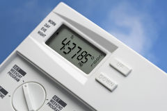 Himmel-Thermostat 85 Grad kühlen V2 ab stockfotos