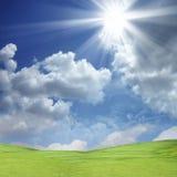 Himmel und das Sonneglänzen Stockfotos