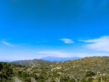 Himmel und die Berge stockbilder