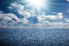 Himmel und Wasser Stockbild