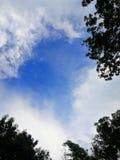Himmel und Wolke stockbilder